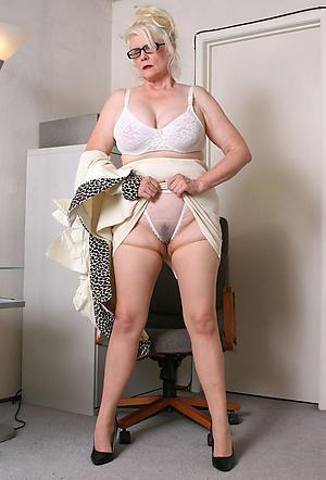 Bungler naked mature lady pics
