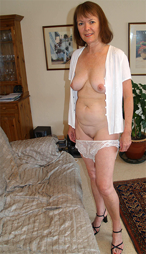 Amateur mature ladies masterbating