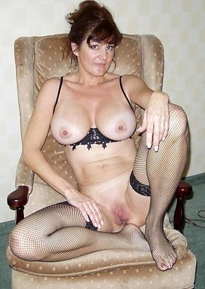 Naked mature cougar pics