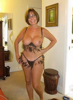 Real hot sexy mature cougar