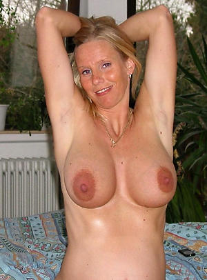 Naked down in the mouth mature cougars pictures