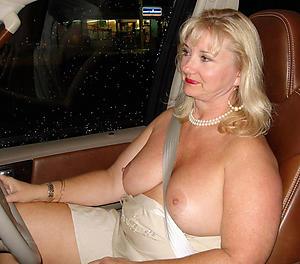 Inexperienced mature sex in car