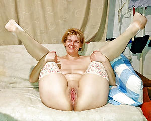 Naughty mature cunt pics