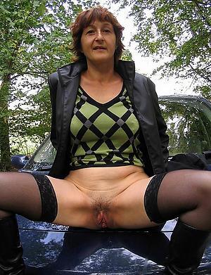 Inviting nude mature xxx