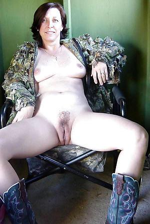 Amateur pics of hot brunette women