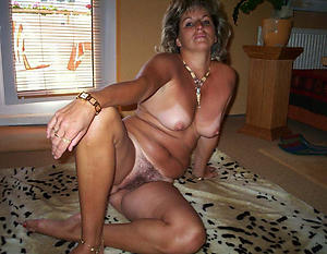 Xxx mature housewives pictures