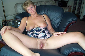 Busty mature wife coitus pictures