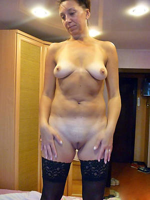Tiro mature naked lady pictures