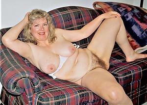 Sweet mature lady denude