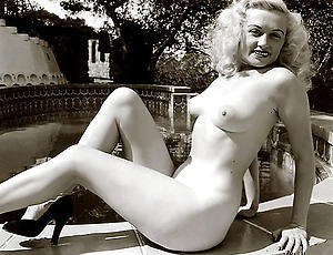 Pretty mature vintage sex