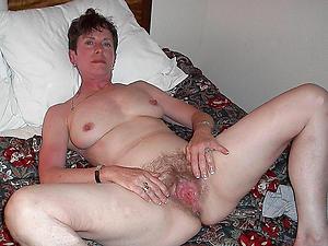 Bared mature women upon queasy vaginas