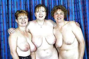 Inviting mature women group sex