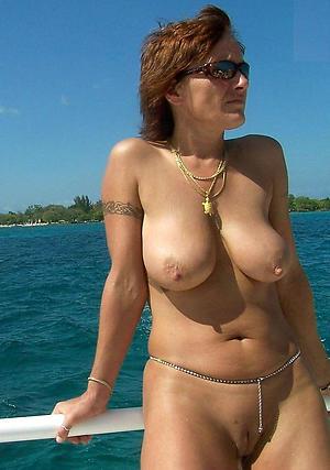 Xxx naked women glasses