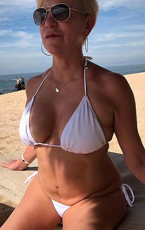 Xxx curvy women in bikinis