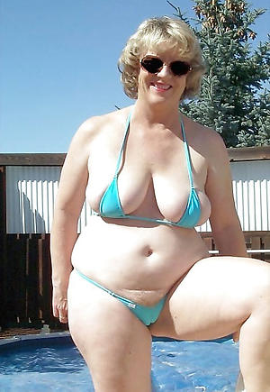 Slutty hot women in bikinis