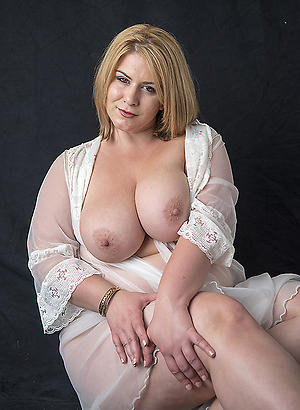 Sexy pics of mature nude babes