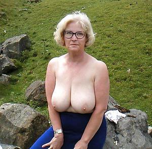 Naughty Bohemian busty mature porn