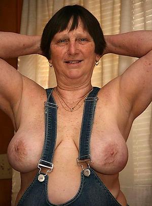 Horny free bosomy mature naked pics