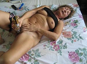 Slutty amateur mature porn pics