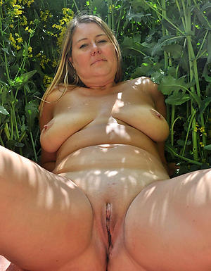 Real hairy cunt mature