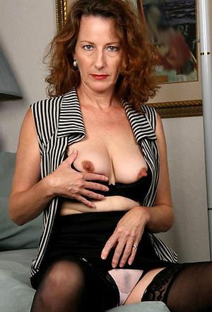 Amateur pics of mature erotic ladies