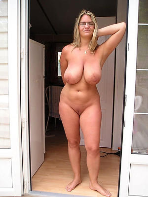 European mature naked photos