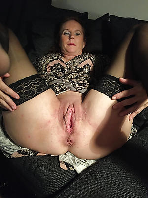 grown-up moms pussy amateur pictures