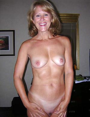 Adult moms masturbating amateur pictures