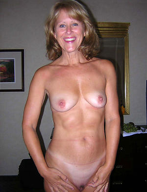Amateur pics of of age bungling milf