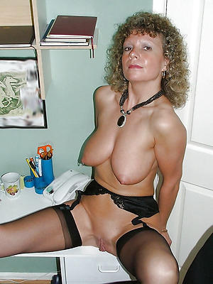 Crude single russian women pictures