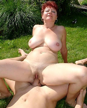 Naughty mature wife homemade pictures