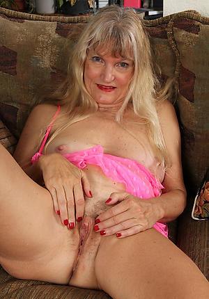 Hot mature cougars nude photos