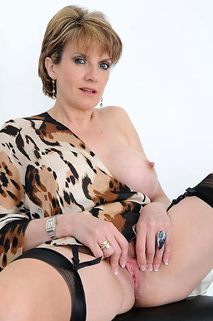 Hot mature cougars unconcealed pictures