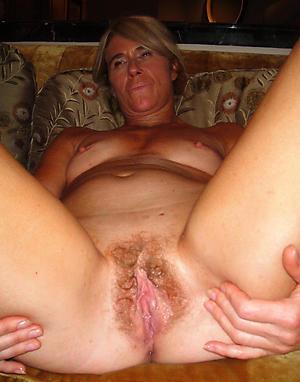 Taking of age amateur xxx nude photos