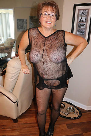 Barren amateur mature xxx