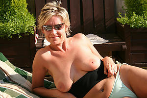 Free amateur mature xxx in the buff photos