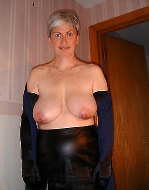 Xxx curvy busty mature nude pics