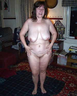 Slutty curvy busty mature nude pictures