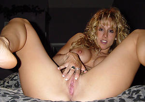 Amateur pics of mature hot babes
