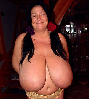 Real free mature busty babes pics