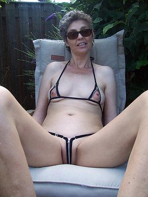 Slutty hot bikini women amateur pics