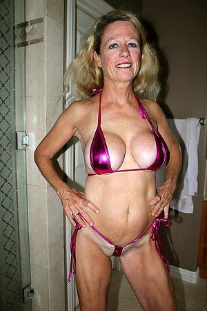 Older ladies in bikinis pics