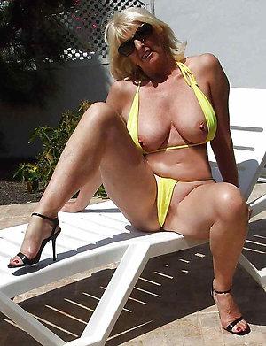 Hot womens bikini swimsuits amateur pics