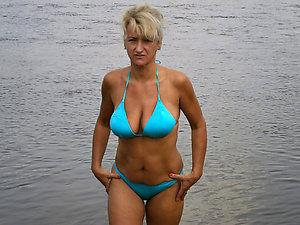 Amazing mature bikini photos