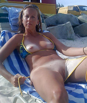 Best hot bikini ladies pics