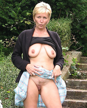 Nice mature blonde nudes pictures