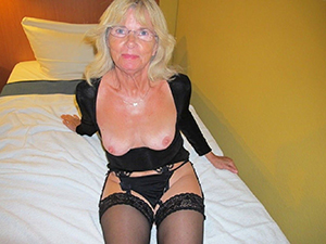 Hot old blonde milf pictures