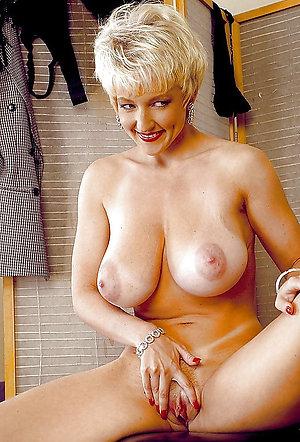 Inexperienced sexy blonde ladies
