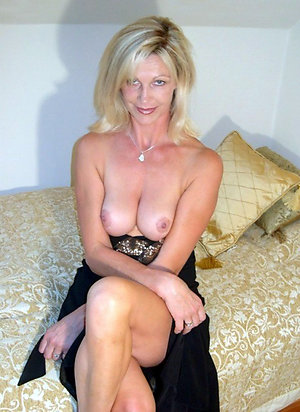 Naked old blonde woman