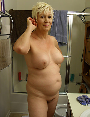 Best pics of horny blonde mom